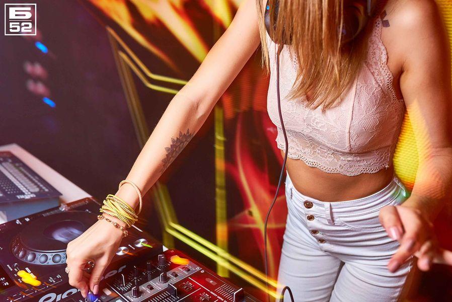 «DJ Ksenia Meow» в «Б-52»