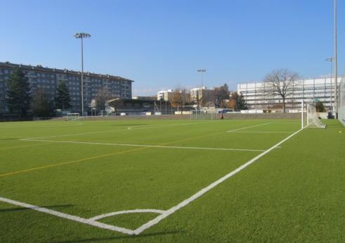 Stade de varemb gen ve photos commentaires le weekend for Piscine varembe