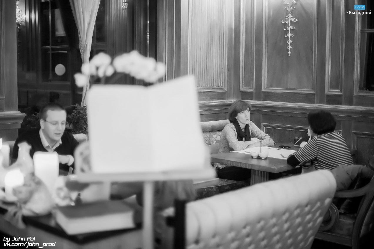 Субботний вечер в кафе-кондитерской «Schiller»