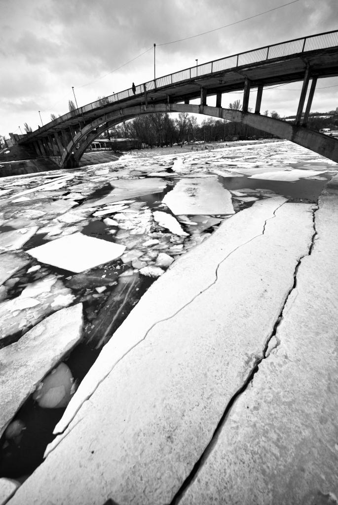 Фотовыставка Олега Баклажова «Ощущение пространства»