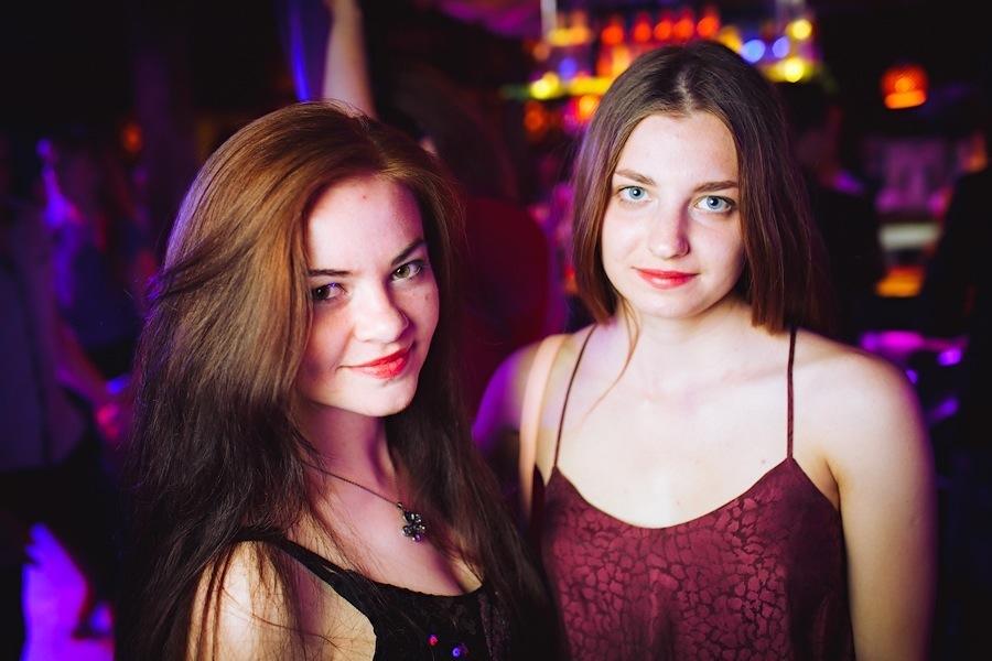 Mad Girls VS. Bad Boys в Saxon
